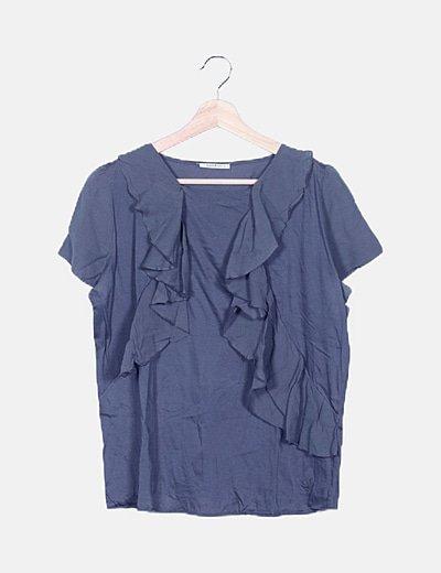 Camiseta gris detalle volantes