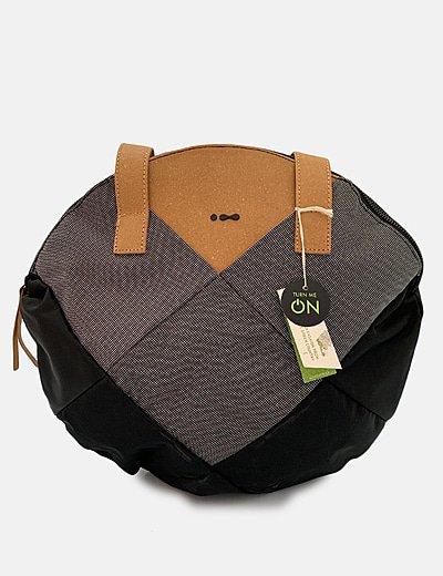 Bolso acolchado negro combinado