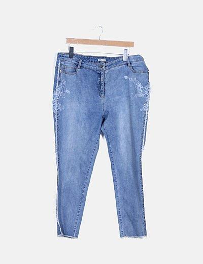 Jeans skinny detalle flecos