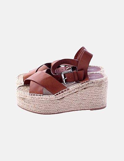 Sandalia cuñas plataforma marrón