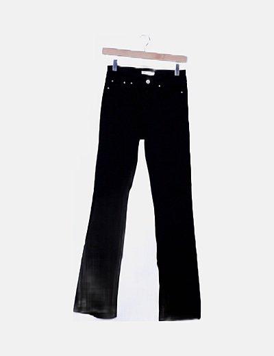 Pantalón denim negro