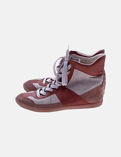 Zapatillas botín combinadas marrón