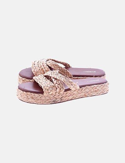 Sandalia de rafia