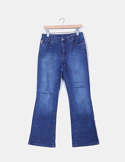 Jeans tono medio acampanado