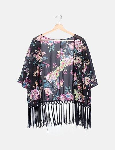 Kimono corto negro floral con flecos