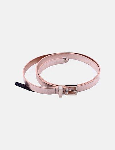 Cinturón fino rosa metalizado