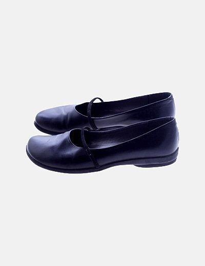Zapato negro detalle goma