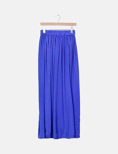 Falda fluida azul combinada