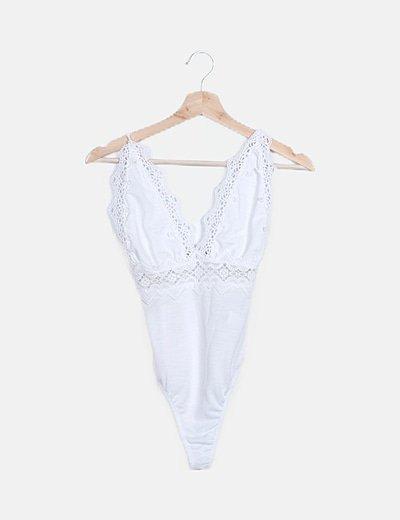 Body blanco detalle crochet