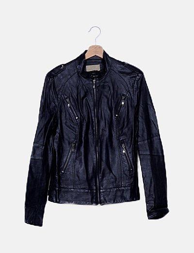 Cazadora biker negra