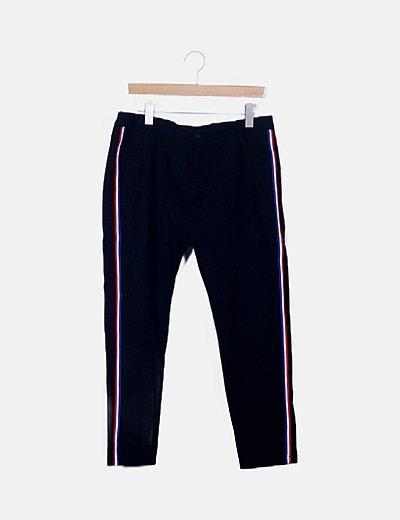 Pantalón negro ribete sport