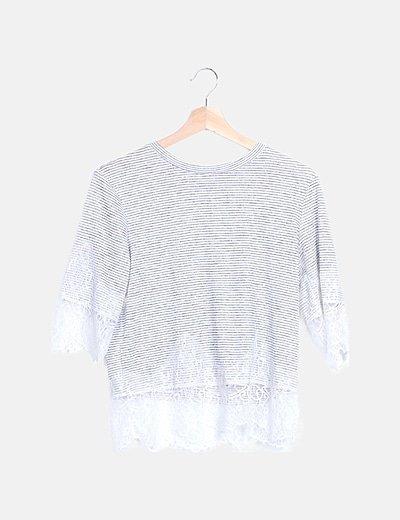 Camiseta rayas bicolor detalle encaje