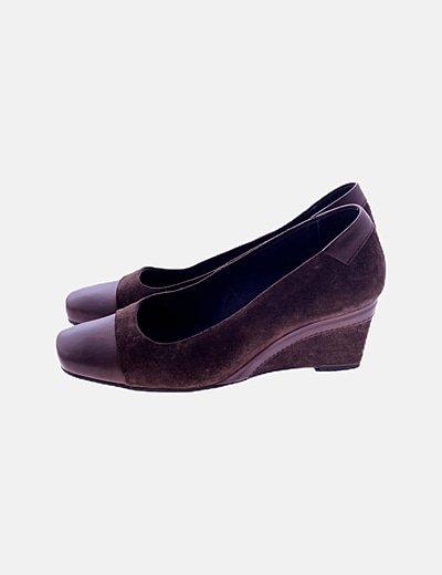 Zapato cuña marrón
