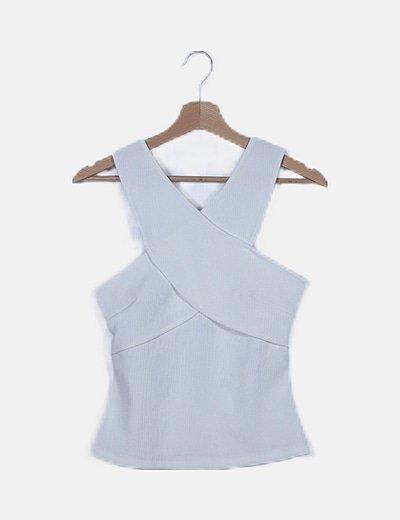 Camiseta blanca detalle cruzado