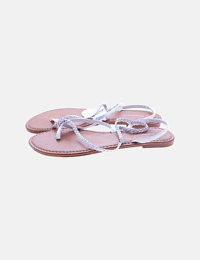 Sandalia plana tiras blancas
