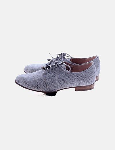 Zapato gris estampado