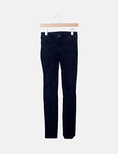 Jeans negro detalle ripped