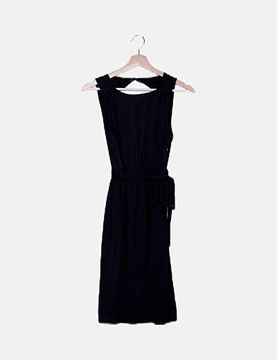 Vestido midi negro detalle lazo