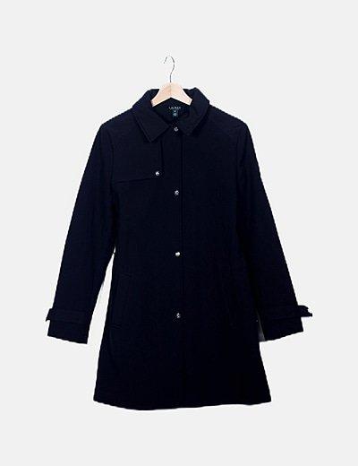 Abrigo largo negro detalle cinto