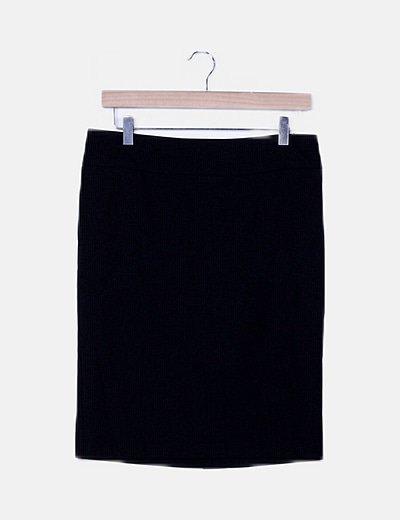 Falda tubo negra raya diplomática
