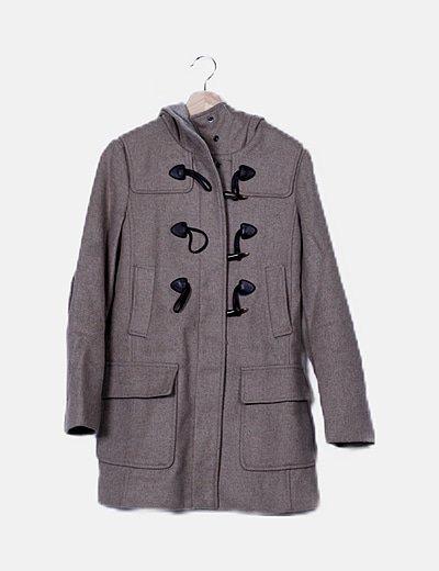 Abrigo beige con capucha