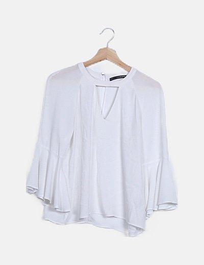 Blusa blanca detalle mangas