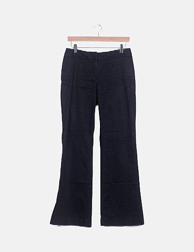Pantalón azul oscuro campana