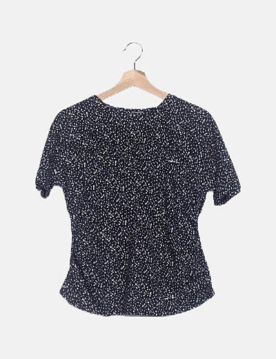 Camiseta negra moteada