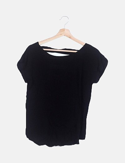 Camiseta manga corta negra espalda con aberturas