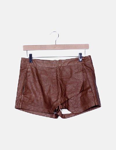 Short marrón encerado