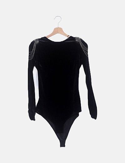 Body negro velvet detalle hombros
