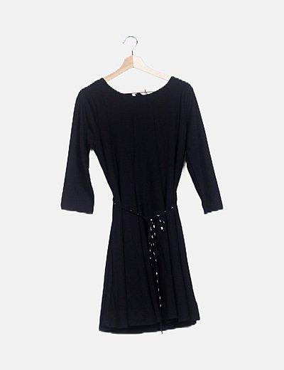 Vestido fluido negro lace up
