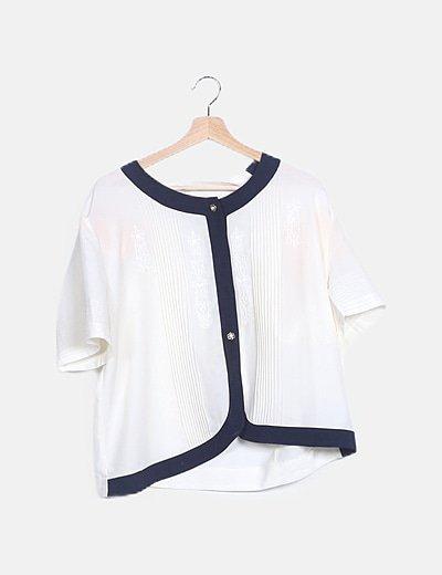 Blusa bicolor detalle botonadura