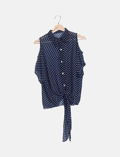 Camisa azul de lunares manga asimétrica nudo