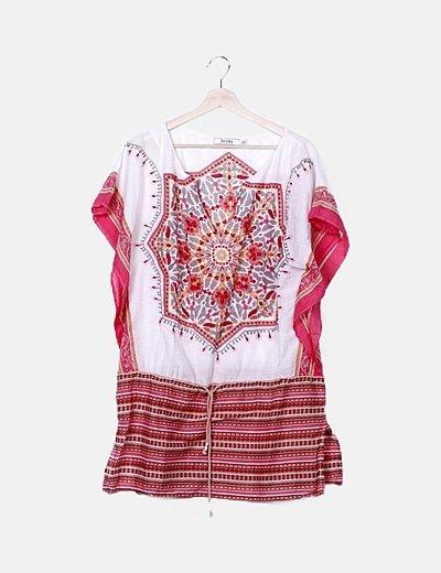 Blusa blanca estampado rojo