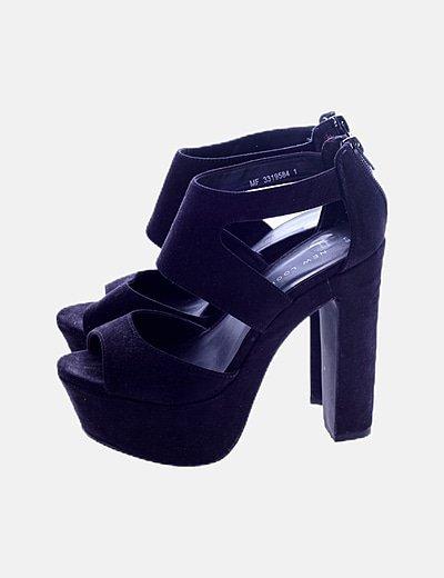 Sandalia de tacón negra antelina