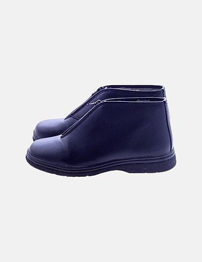 Zapato negro detalle cremallera