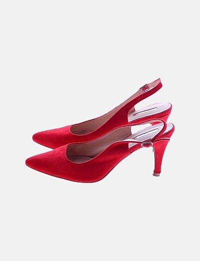 Zapatos rojos destalonados