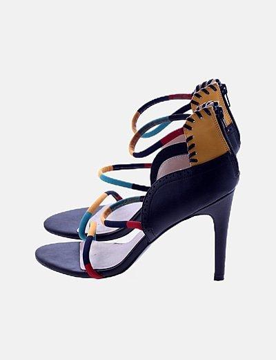 Sandalias con tacón tiras multicolor