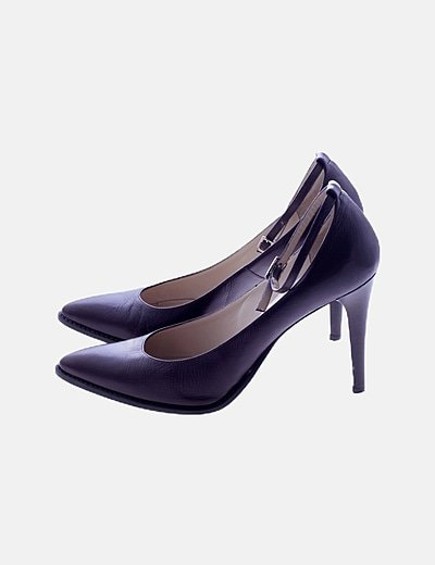 Zapatos de tacón marrón oscuro