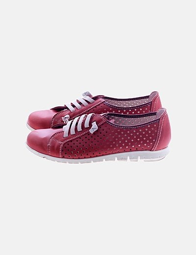 Zapatillas rojas detalles