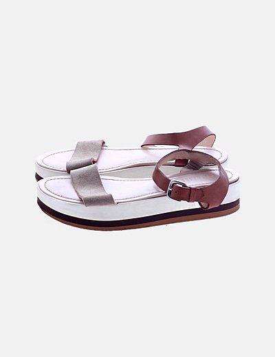 Sandalias plataforma combinadas