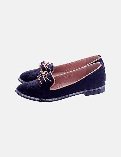 Zapato antelina negro lazo strass