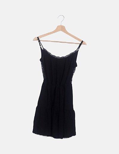 Vestido negro detalles