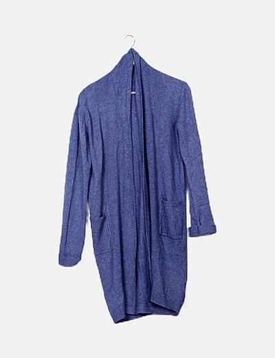 Jersey azul detalle bolsillos