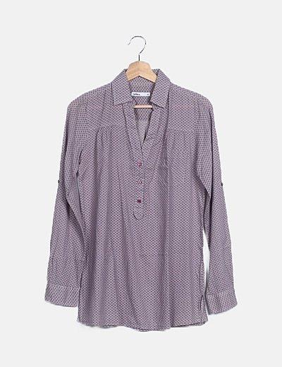 Camisa estampado bicolor detalles