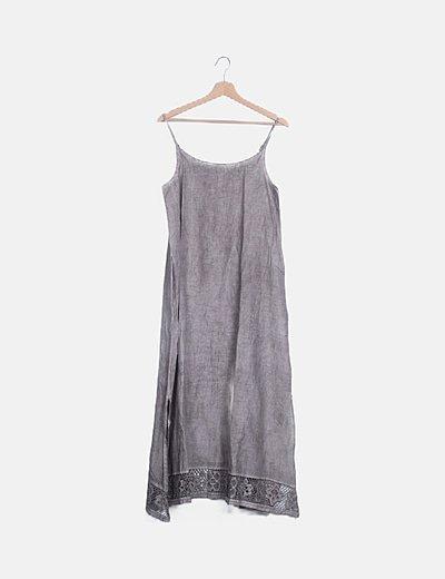 Vestido gris jaspeado detalle bordado