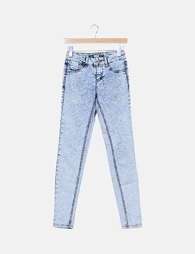 Pantalón denim azul efecto lavado