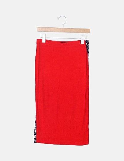 Falda canalé roja