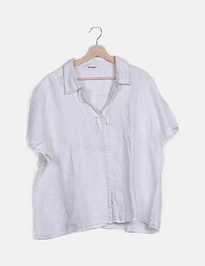 Camisa blanca detalles bordados